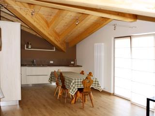 2 bedroom Apartment with Internet Access in Bormio - Bormio vacation rentals