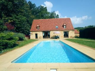 Les Montades - Restored farmhouse near Dordogne - Gourdon vacation rentals