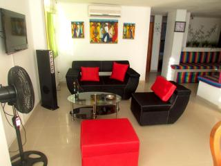 Nice 3 bedroom Santa Marta Condo with A/C - Santa Marta vacation rentals