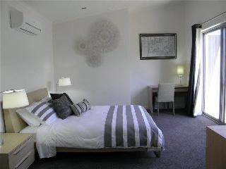 Trendy Glen Executive Townhouse - Stirling vacation rentals
