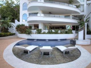 PUERTO VALLARTA AMAPAS 3 BDR CONDO RENAISSANCE II - Puerto Vallarta vacation rentals