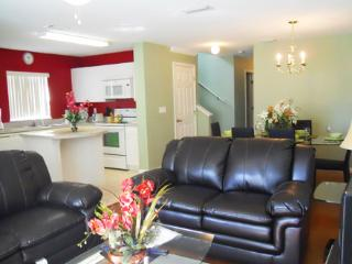 Club Cortile Resort 4 Bedroom Townhouse with a Beautfiful Lake View - Kissimmee vacation rentals