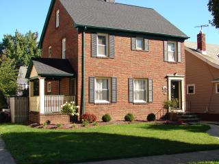 3 bedroom House with Deck in Cleveland - Cleveland vacation rentals