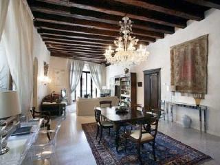 MIracoli :best Canal Views from 15 Century Balcony - Venice vacation rentals