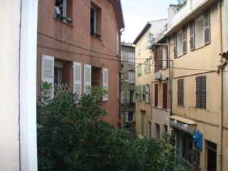 Nice studio in the heart of Old Antibes - Antibes vacation rentals