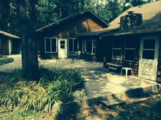 WISCONSIN CABIN RETREAT, 4/5 bed, 2 bath - Amherst vacation rentals