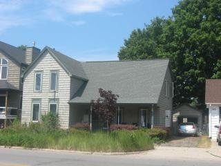 Agape Bayside Cottage - Modern and Comfortable - Frankfort vacation rentals
