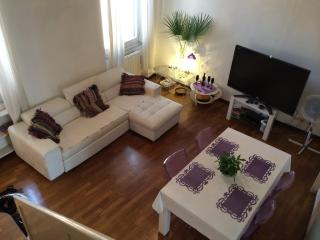 2 bedroom Apartment with Deck in Rome - Rome vacation rentals