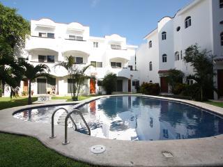 Playacar Condo with Pool- Quintas Pakal 21 - Playa del Carmen vacation rentals