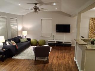 Contemporary & Private 3BR / 2BA, Sleeps 10 - Austin vacation rentals