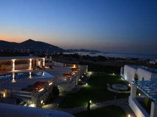 Blue mare Villas - Villa Vrachos - Naoussa vacation rentals