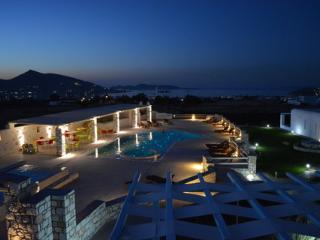 Blue mare Villas - Villa Thalassa - Naoussa vacation rentals