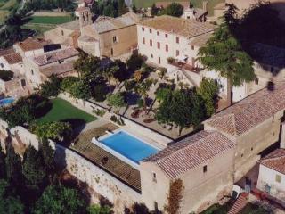 8 bedroom Villa in San Giovanni d'Asso, Siena, Italy : ref 2259039 - San Giovanni d'Asso vacation rentals
