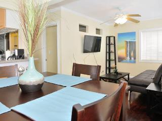 (MS5) Beach complex for up to 18 guests! - Pacific Beach vacation rentals