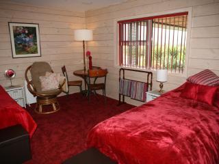 Retreat room 2 - Hamilton vacation rentals