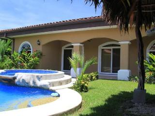 EcoVida Casa Perfecta with Private Pool! Walk to the Beach! - Playa Bejuco vacation rentals