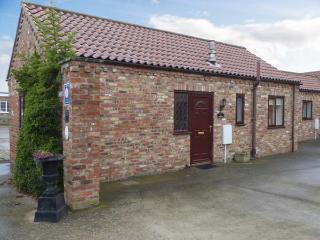 THE COURTYARD, ground floor barn conversion, open plan, pet-friendly, near Pocklington, Ref 30529 - Pocklington vacation rentals