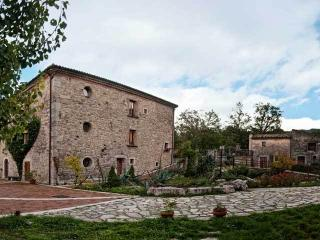 Kolidur Country House - Campobasso vacation rentals