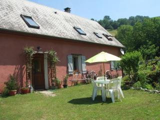 Cozy 2 bedroom Farmhouse Barn in Bagneres-de-Bigorre - Bagneres-de-Bigorre vacation rentals