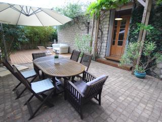 Charming apart. with garden in Montpellier center - Montpellier vacation rentals