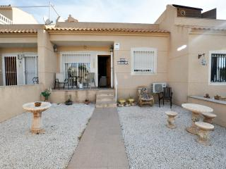 Casa Victoria 2 Bedroom Bungalow Near Villamartin - Villamartin vacation rentals