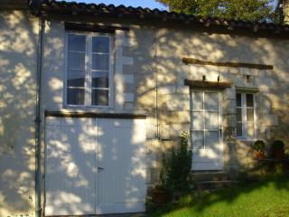 """The Cottage "" Coutures - Verteillac vacation rentals"
