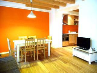 Nice Condo with Internet Access and Tennis Court - Borgo Valsugana vacation rentals