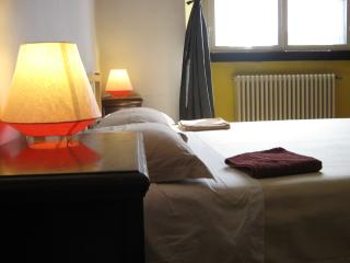 Traditional apartment near city center - Blevio vacation rentals