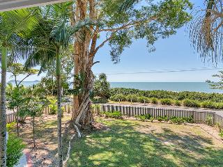 Dolce Vita Large Beach House in Cairns / Palm Cove - Clifton Beach vacation rentals