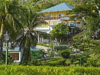 Perfect House with Internet Access and Private Outdoor Pool - Friendship Bay vacation rentals