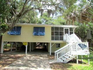 "1515 Marianne St - "" Palmetto State of Mind"" - Edisto Beach vacation rentals"