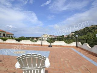 Nice House with Deck and Internet Access - Cittadella del Capo vacation rentals