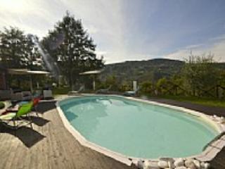 Villa Lucinda - Valtopina vacation rentals
