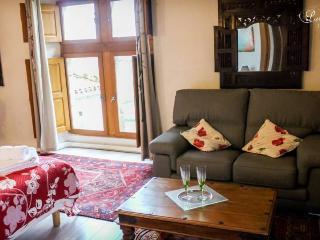 La Maison Bakea - Cordes-sur-Ciel vacation rentals