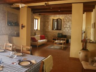 2 bedroom Farmhouse Barn with Balcony in Jesi - Jesi vacation rentals