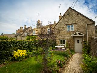 Perfect Cottage with Internet Access and Outdoor Dining Area - Great Rissington vacation rentals