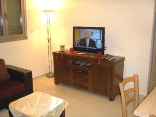 Great 1 Bedroom on Arlozoro 28/11 - Tel Aviv vacation rentals