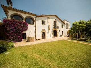 Nice Finca with Deck and Internet Access - Abrera vacation rentals