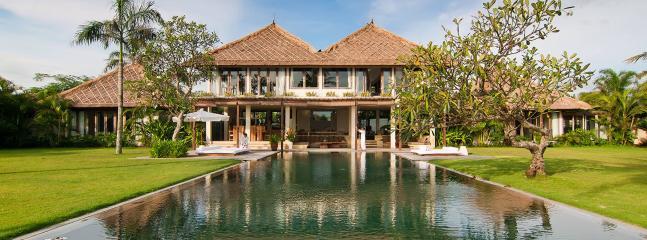 Luxury Balinese villa, 4 bdrs. - Image 1 - Kuta - rentals