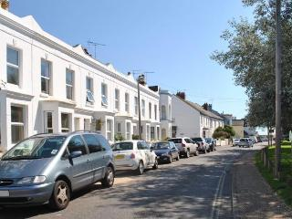 Comfortable 2 bedroom Felpham Cottage with Television - Felpham vacation rentals