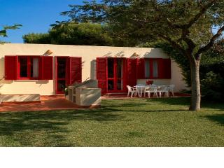 Nice Villa with Cleaning Service and Outdoor Dining Area - Torre Dell'Orso vacation rentals