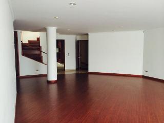Apartment Bogota Near World Trade Center - Bogota vacation rentals