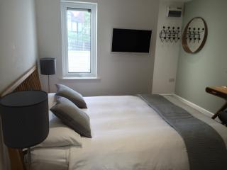 Nice 1 bedroom Apartment in Lee-on-the-Solent - Lee-on-the-Solent vacation rentals