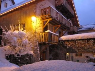 Spacious 4 bedroom Bed and Breakfast in Vénosc - Vénosc vacation rentals