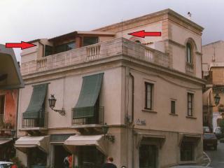 Casa Rando (prices are for 2 persons) - Taormina vacation rentals
