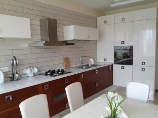 Apart Solnech Odessa - Odessa vacation rentals