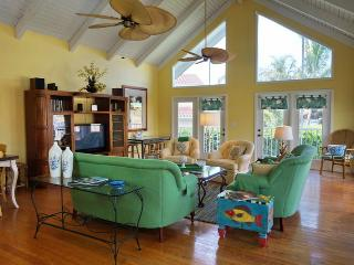 Appealing 5 Bedroom and 3 bath beach style home close to Esplanade Shops - Marco Island vacation rentals