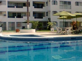 Ixtapa Condo~Sleeps 5-7~Pools and near beach - Ixtapa vacation rentals