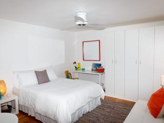 Charming and bright Freestanding Beach Bungalow! - Santa Monica vacation rentals