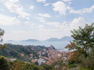 Typical House with Garden Sea view - Rustico Dolce - Lerici vacation rentals